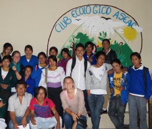 Students and ASEAC Team members break for a photo during Eco-Club!